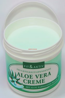 aloe vera creme 250 ml feuchtigkeitspflege f r gesicht und k rper. Black Bedroom Furniture Sets. Home Design Ideas